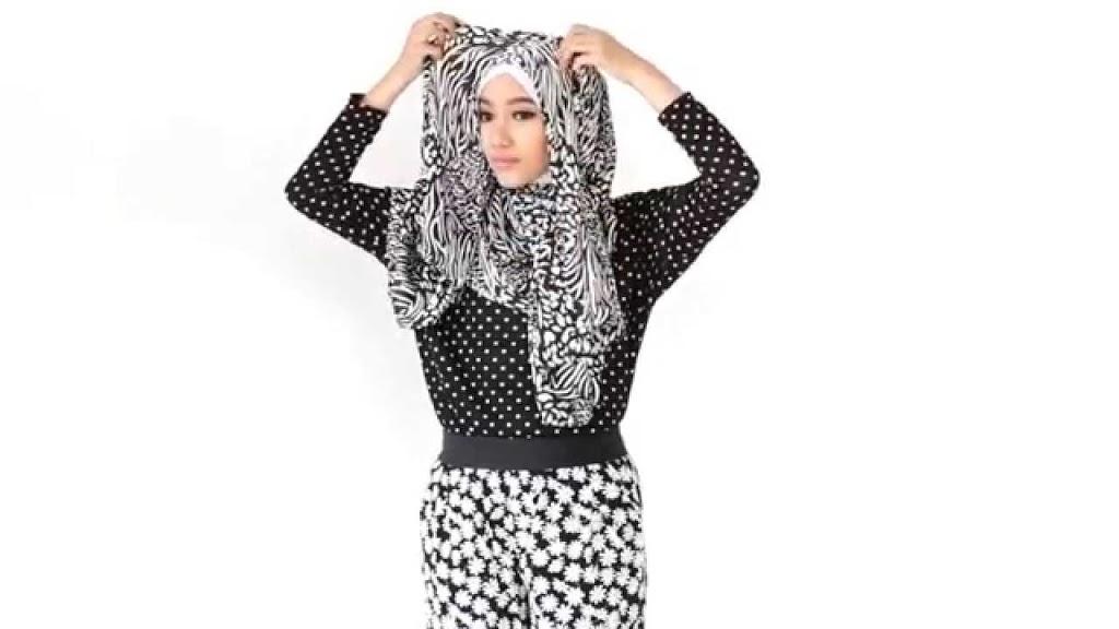 Tutorial Hijab Monochrome Paling Simple yang Anggun dan Mempesona